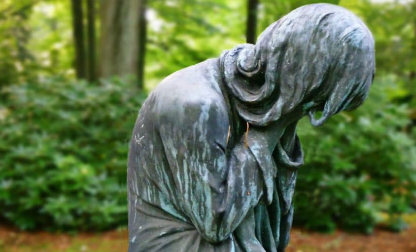 Crying mother statue