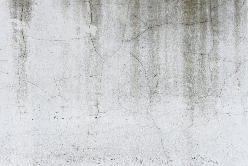Scars: Cracks on walls